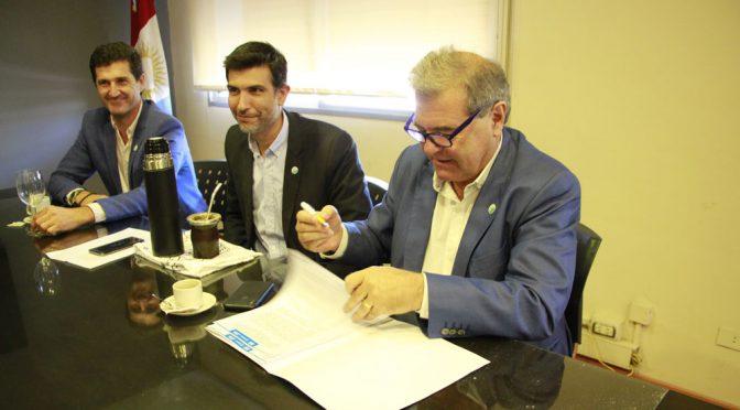 El ministro de Agricultura y el IERAL acuerdan estudio conjunto sobre riego